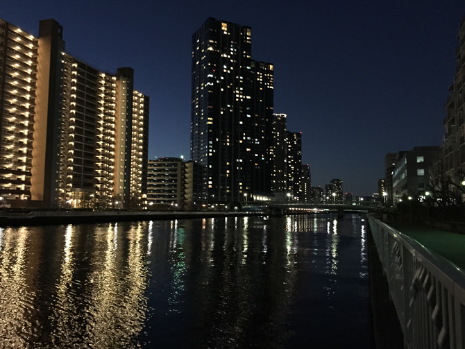 豊洲運河の夜