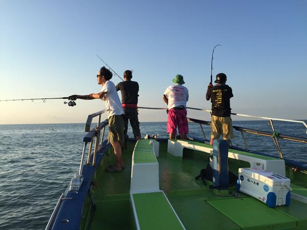 釣り人口の推移2005年から2014年まで。減少傾向は続く。